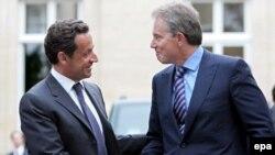 Саркози и другим сторонникам договора будет нелегко склонить на свою сторону Великобританию и Польшу