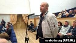 """Прадстаўнік """"Белай Русі"""" спытаўся як Караткевіч будзе змагацца з """"картай паляка"""""""
