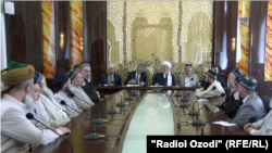 Душанбедаги Уламолар кенгаши йиғилишидан лавҳа, 2016 йил 29 июни.