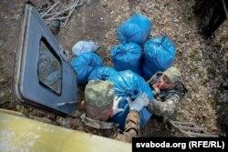Валянтэры сабралі больш за 50 кг сьмецьця