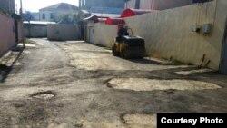 Так асфальтируют дороги поселка Бадамдар