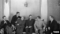 Winston Churchill Moskvada, 1942