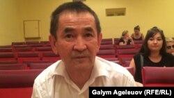 Орталық мемлекеттік мұражай директорының бірінші орынбасары Бейбітқали Қақабаев. Алматы, 28 тамыз 2015 жыл.