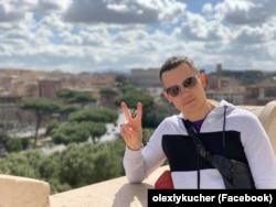 Олексій Кучер, згідно декларації, у 2018 році не заробив жодної копійки, однак придбав коштовний автомобіль