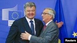 Президент України Петро Порошенко, президент Єврокомісії Жан-Клод Юнкер, Брюссель, 27 серпня 2015 року