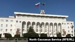 Настроенный на обновление Васильев дал слабину, назначив вице-премьером главу администрации Рамазана Абдулатипова