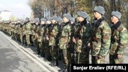 Солдаты кыргызской армии.