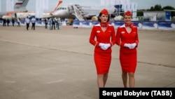 Бортпроводницы российской авиакомпании «Аэрофлот». Московская область, 18 июля 2017 года.
