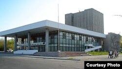 Токтоболот Абдумомунов атындагы кыргыз драма театры.