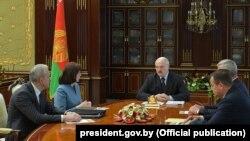 Аляксандар Лукашэнка на абмеркаваньні новага ўраду, 3 чэрвеня