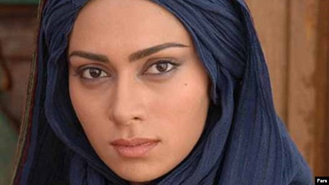 Iranian actress Pegah Ahangarani is the daughter of actress and director Manijeh Hekmat and movie director Jamshid Ahangarani.