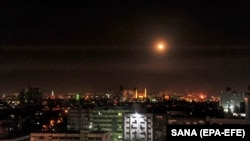 Работа сирийской системы ПВО. Архивное фото. Дамаск, апрель 2018 года.