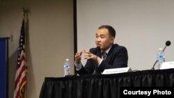 Даниел Кадырбеков,Жапониядагы Кобе университетинин саясат таануу боюнча магистратурасынын бүтүрүүчүсү