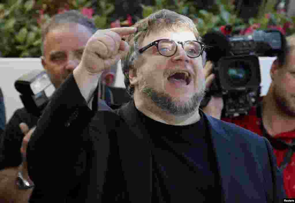 Член жюри Каннского Кинофестиваля, кинорежиссёр Гильермо Дель Торо прибывает в гостиницу Гранд Хаятт