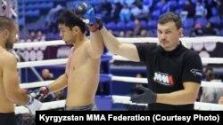 Кыргызстанцы на 5-Чемпионате мира по ММА в Астане.