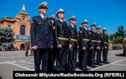 Лейтенанти морської піхоти першого випуску Одеської Військової академії. Одеса, 2 червня 2018 року