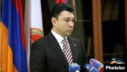 Armenia -- Ruling Republican Party spokesman Eduard Sharmazanov at a press conference in Yerevan, 26Dec2013