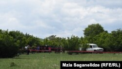 Эксперты на месте обнаружения автомобиля Тамар Бачалиашвили