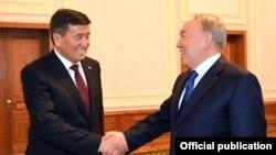 Сооронбай Жээнбеков жана Нурсултан Назарбаев. Минск. 30-ноябрь, 2017-жыл.
