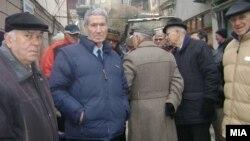 Архивска фотографија: Пензионери протестираа мирно во Велес. Бараа Парламентот да го донесе буџетот за 2013 година.