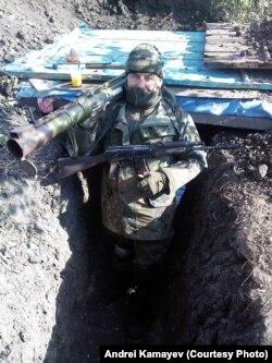 Андрій Камаєв в траншеї на сході України в січні 2015 року
