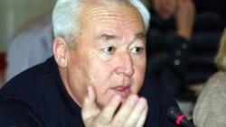 Сейітқазы Матаев сотта жауап беріп жатыр