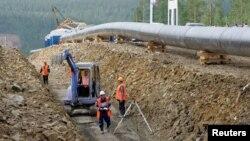 Строительство российско-китайского трубопровода в Восточной Сибири. Нерюнгри, 12 июля 2007 года.