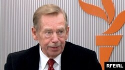Former Czech President Vaclav Havel during an interview with RFE/RL, 27March2009