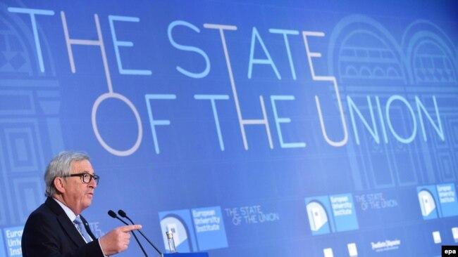 Demokratske vrednosti u drugom planu (na fotografiji Žan Klod Junker, ilustracija)
