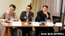 La dezbaterea de la București