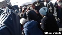 Спасенные шахтеры на месторождении Жыргалан.