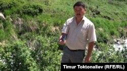 Нурбек Акебаевдин айтымында, ишембиликте мектеп окуучулар бир топ презервативдерди чогултушат.