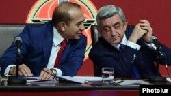 Премьер-министр Армении Овик Абрамян (слева) и президент Армении Серж Саргсян (архив)