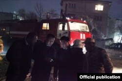 Мэр Оша Таалайбек Сарыбашов на месте взрыва. Город Ош. 21 марта 2019 г.