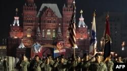 رژه نظامیان آمریکایی در میدان سرخ شهر مسکو