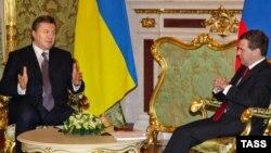 Президент України Віктор Янукович і президент Росії Дмитро Медведєв. Моксва, 5 березня 2010 року