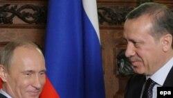 Մոսկվա -- Ռուսաստանի վարչապետ Պուտինը հանդիպումը Թուրքիայի վարչապետ Ռեջեփ Էրդողանի հետ: 13-ը հունվարի, 2010 թ.