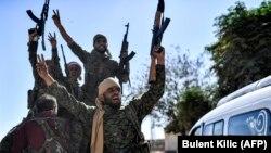 Borci Sirijskog demokratskog fronta u Raki