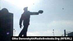 Пам'ятник шахтареві на Шахтарській площі у Донецьку