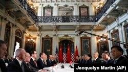 Переговоры между делегациями США и Китая в Вашингтоне, 21 февраля 2019 года.