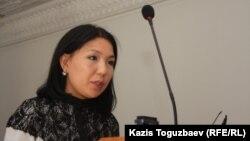 «Ашық алаң» («Трибуна») газетінің тілшісі Инга Иманбай. Алматы, 23 қыркүйек 2013 жыл.