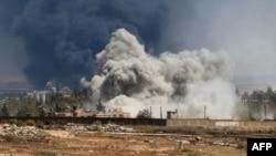 Последствия ударов сирийской авиации по южным пригородам Алеппо 18 августа 2016 года