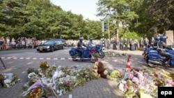 """Останки жертв катастрофы """"Боинга"""" везут на опознание в Нидерландах"""