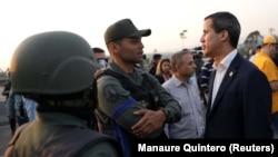 Lideri opozitar, Juan Guaido.