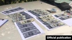 Помощник прокурора задержан при получении взятки.