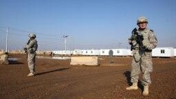 نیروهای نظامی آمریکا در پایگاه تاجی (عکس از آرشیو)