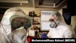 رئیس دانشگاه علوم پزشکی استان سمنان: «براساس آمار تاکنون ۳۰ درصد از مردم این استان به کرونا ویروس مبتلا شدهاند و ۷۰ درصد دیگر در معرض ابتلا به این ویروس قرار دارند».