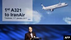 فرهاد پرورش، مدیرعامل ایران ایر، هما، در آئین تحویل نخستین ایرباس خریداری شده در تولوز فرانسه