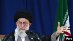 IИрандын руханий көсөмү аятолла Али Хаменейи