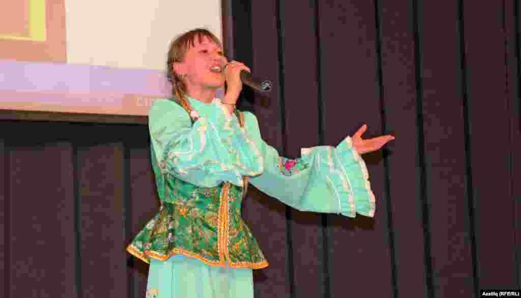 2014 елгы Гран-при иясе Краснокама районының Яңа Бура мәктәбе укучысы Эльгина Муллакаева.